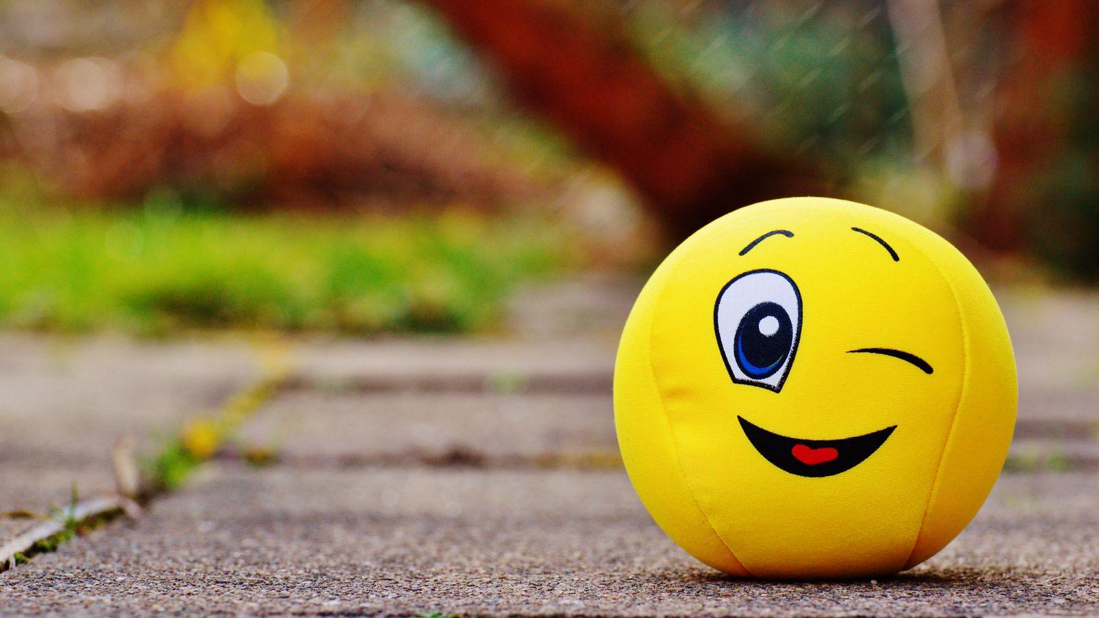1600x900 Wallpaper ball, smile, happy, toy