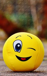 Preview wallpaper ball, smile, happy, toy