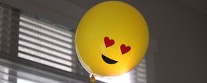 Preview wallpaper balloon, smiley, smile, happiness, love