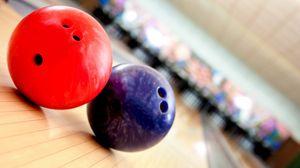 Preview wallpaper balls, bowling, game