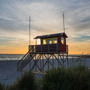 Preview wallpaper beach, sea, tower, lifeguards, twilight