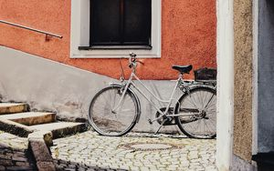 Preview wallpaper bicycle, building, street, facade