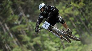 Preview wallpaper biking, flying, cycling, downhill