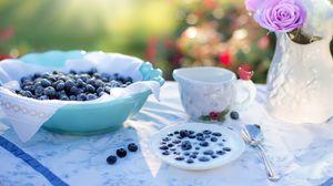 Preview wallpaper blueberries, berries, milk, crockery
