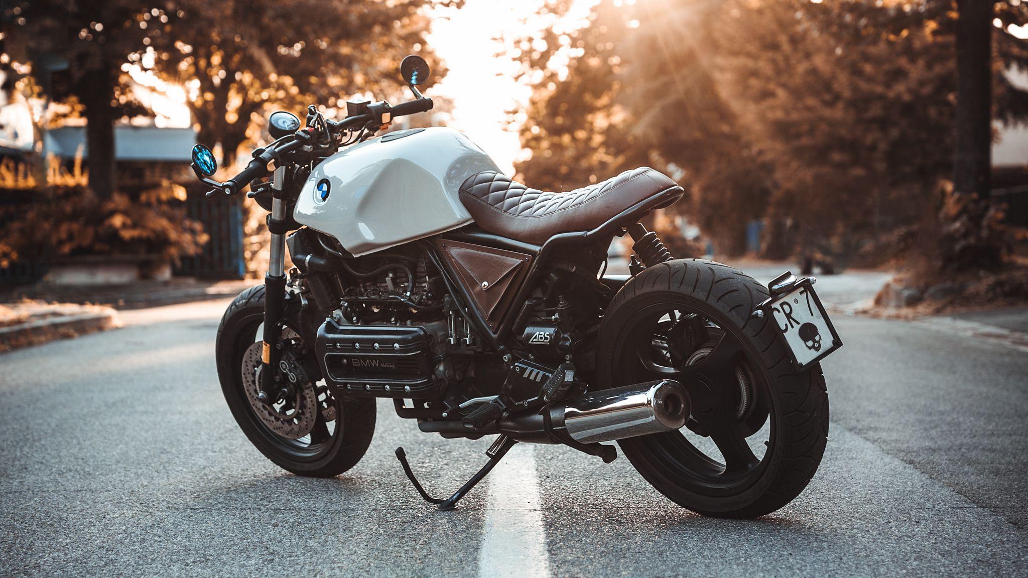 2048x1152 Wallpaper bmw k100, motorcycle, bike, side view