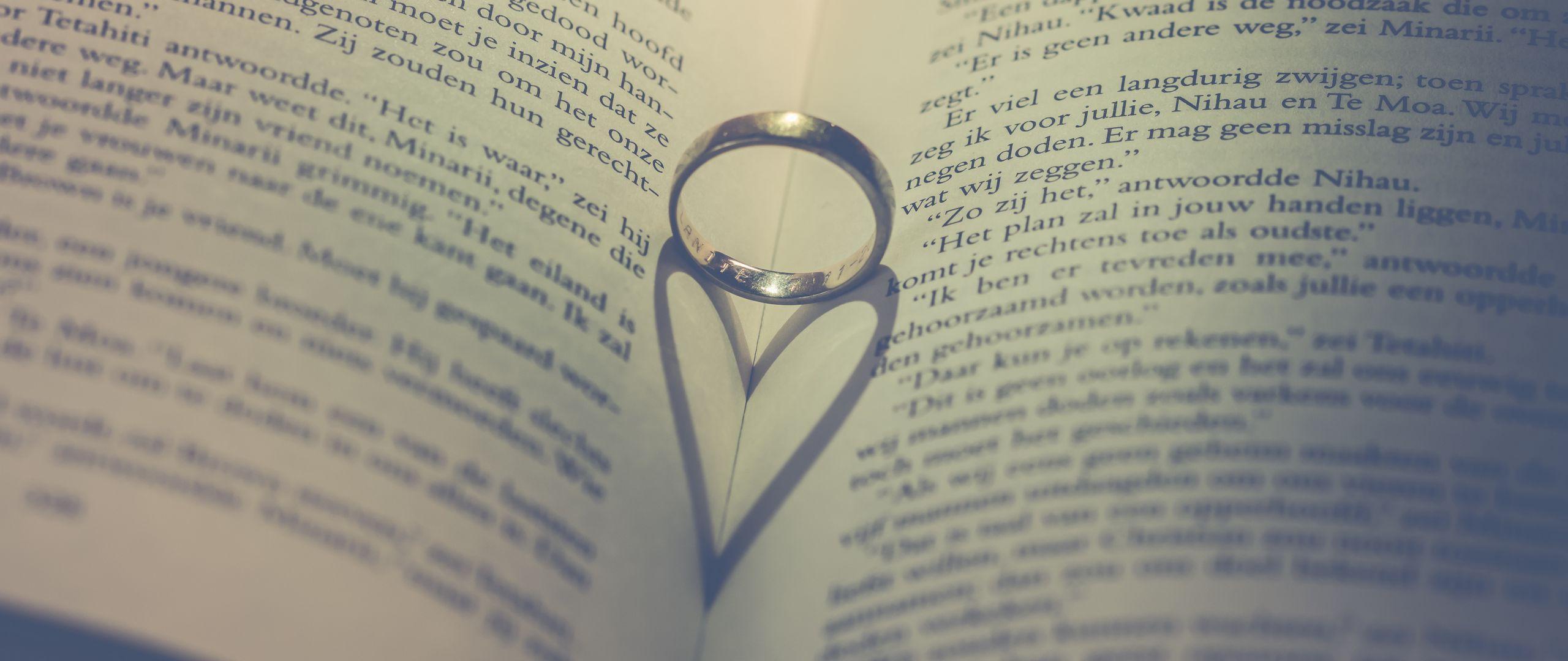 2560x1080 Wallpaper book, ring, heart, love