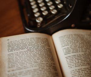 Preview wallpaper book, typewriter, reading