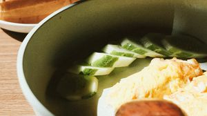 Preview wallpaper bowl, soup, cucumbers, bread