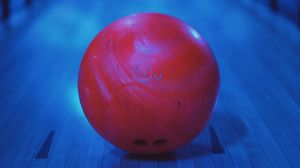 Preview wallpaper bowling, ball, red, round
