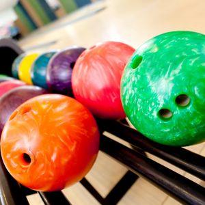 Preview wallpaper bowling, balls, rack