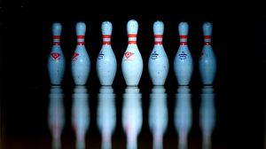 Preview wallpaper bowling pin, bowling, reflection, row