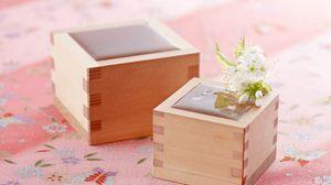 Preview wallpaper box, flower, souvenir