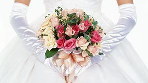Preview wallpaper bride, bouquet, roses, gloves