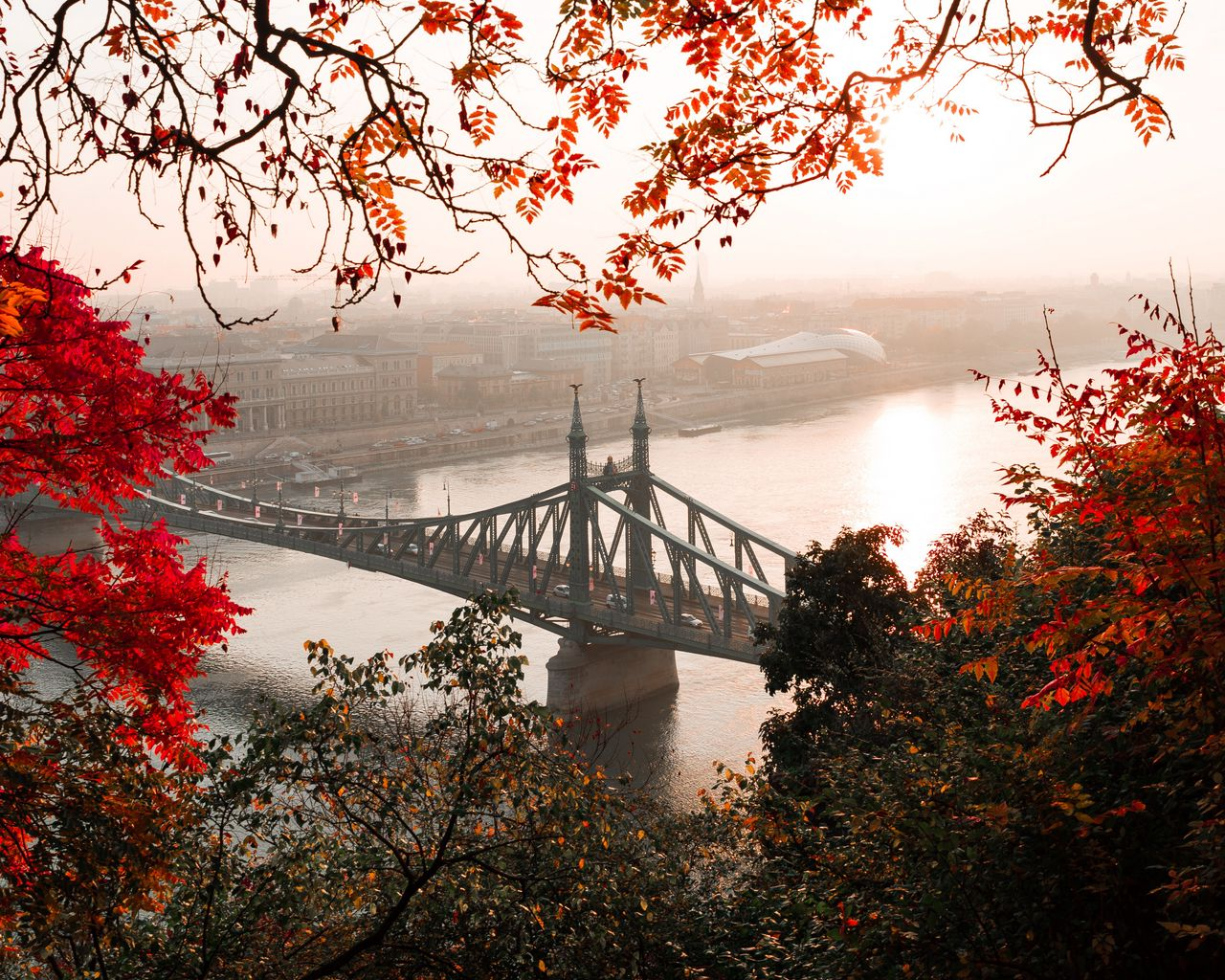 1280x1024 Wallpaper bridge, autumn, city, citadella, budapest, hungary