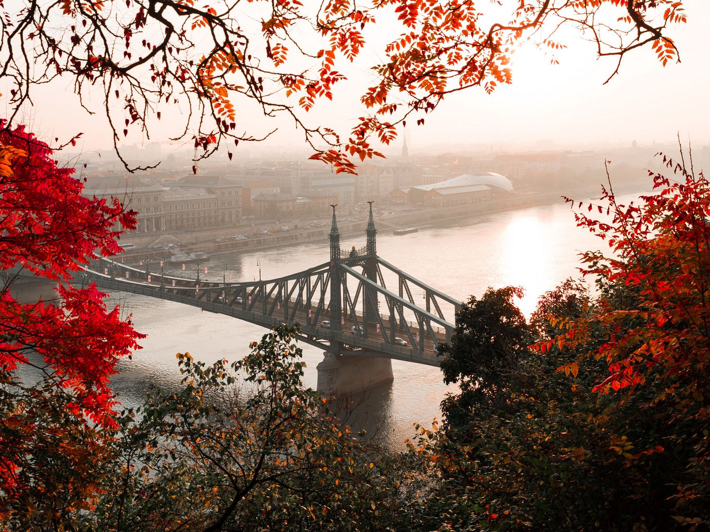 1400x1050 Wallpaper bridge, autumn, city, citadella, budapest, hungary