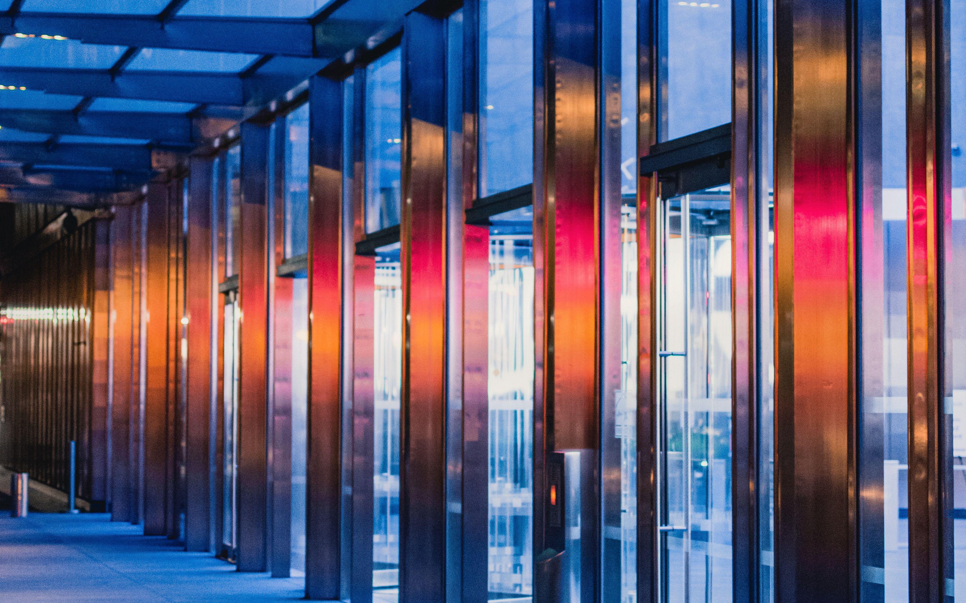 3840x2400 Wallpaper building, architecture, doors, glass, backlight