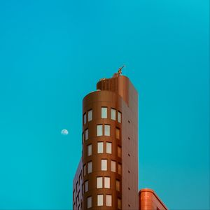 Preview wallpaper building, architecture, sky, moon, minimalism