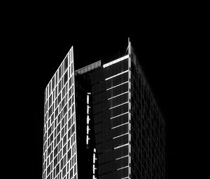Preview wallpaper building, architecture, windows, black and white, black