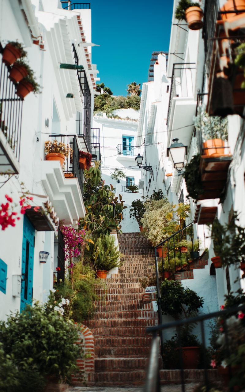 800x1280 Wallpaper buildings, stairs, alleyway, architecture, town