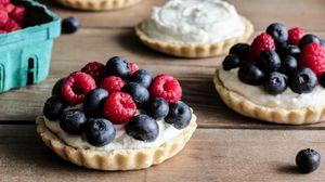 Preview wallpaper cake, berries, blueberries, raspberries