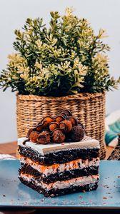 Preview wallpaper cake, dessert, biscuit, berries, jam, basket, statuette
