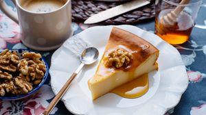 Preview wallpaper cake, dessert, nuts, honey