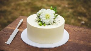 Preview wallpaper cake, flowers, white
