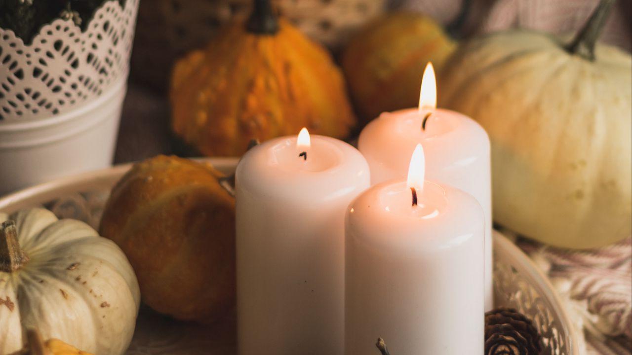 【壁纸桌面】墙纸蜡烛,火焰,万圣节,南瓜,松果高清壁纸免费下载