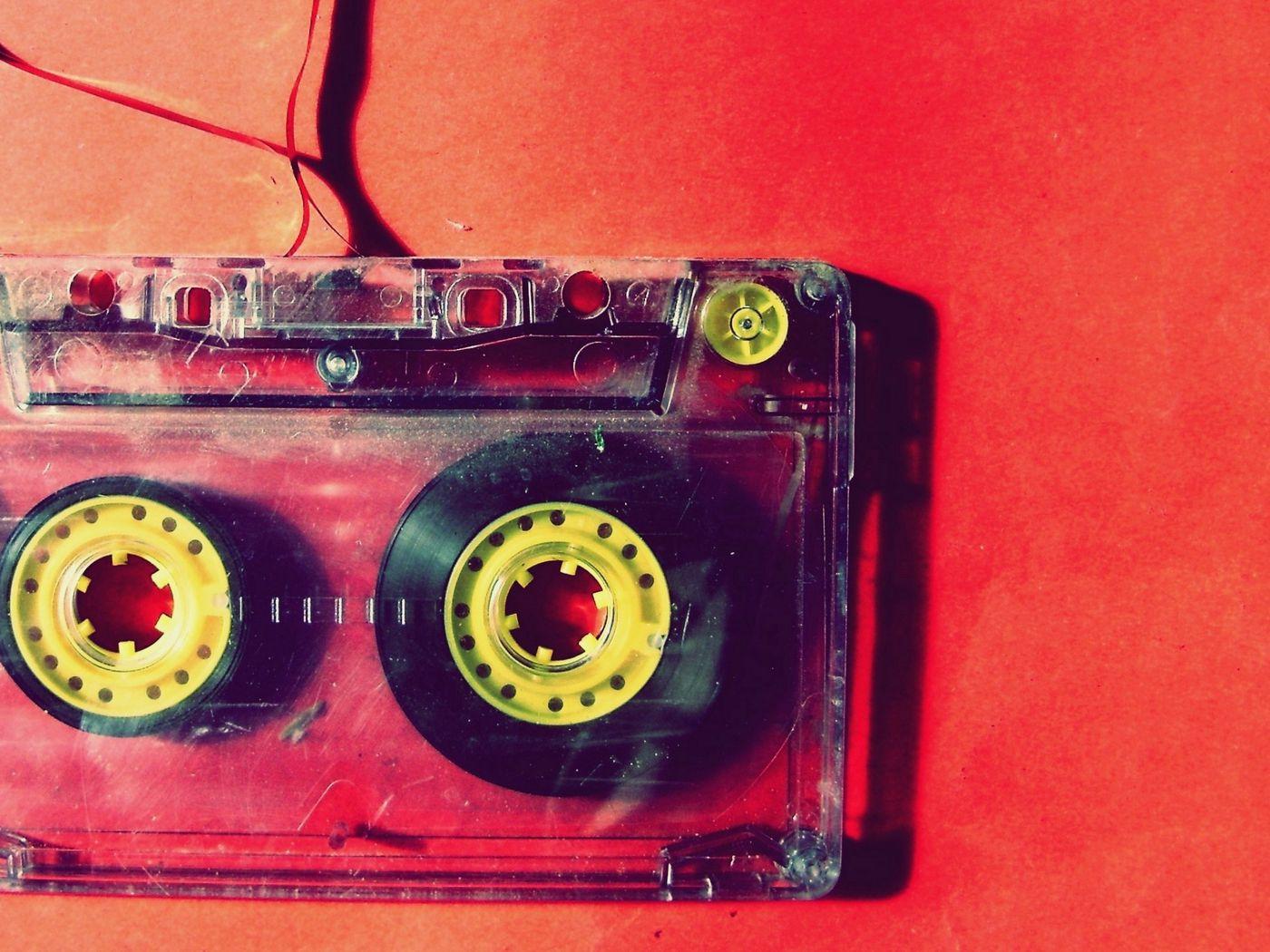 1400x1050 Wallpaper cassette, music, vintage, film