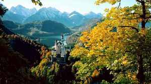 Preview wallpaper castle, bavaria, height, autumn, germany