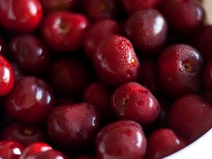 Preview wallpaper cherry, berries, bowl, red