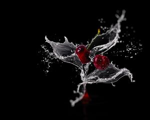 Preview wallpaper cherry, spray, water
