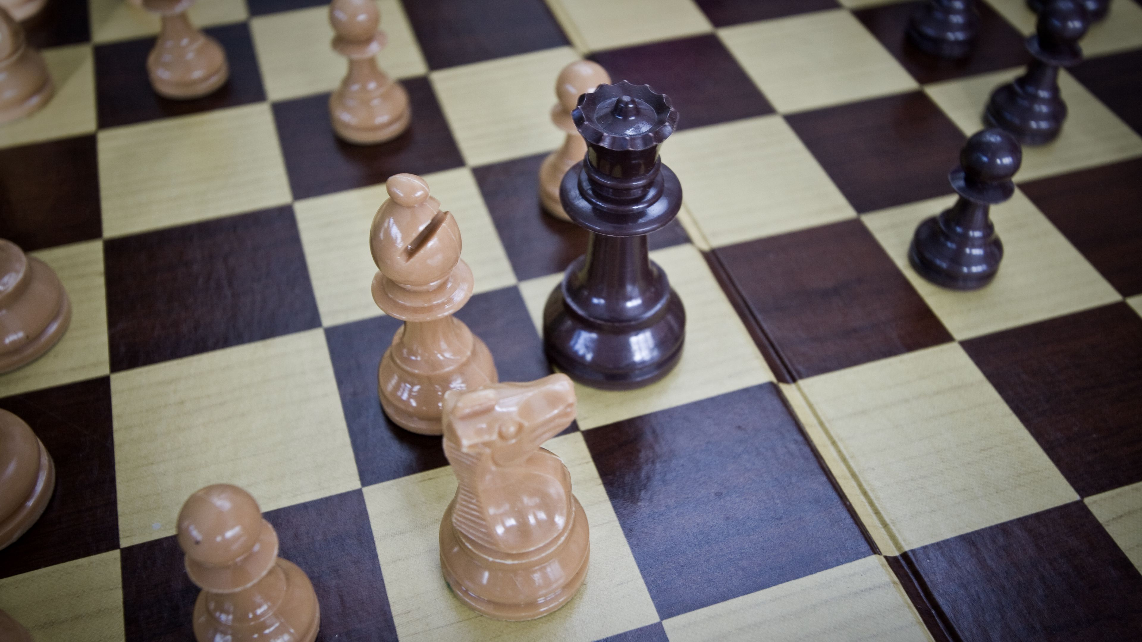 3840x2160 Wallpaper chess, game, board, pieces