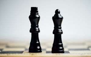 Preview wallpaper chess, pieces, game, king, queen
