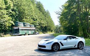 Preview wallpaper chevrolet corvette, chevrolet, car, white