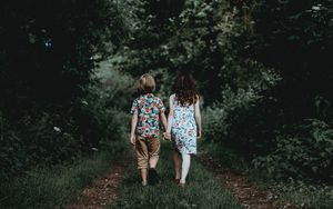 Preview wallpaper children, walk, friends, forest