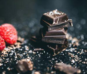 Preview wallpaper chocolate, wedges, salt, dessert