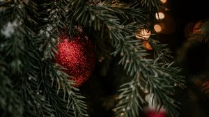 Preview wallpaper christmas tree, decorations, garlands, new year, christmas, holidays