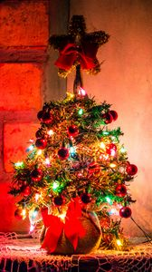 Preview wallpaper christmas tree, new year, christmas, decoration, garlands