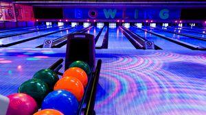 Preview wallpaper club, bowling, balls