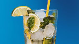 Preview wallpaper cocktail, mojito, lemonade, lime, ice, drink