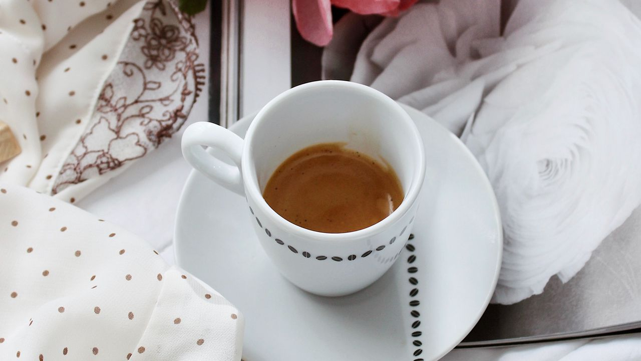 【壁纸桌面】咖啡、杯子、花、布高清壁纸免费下载