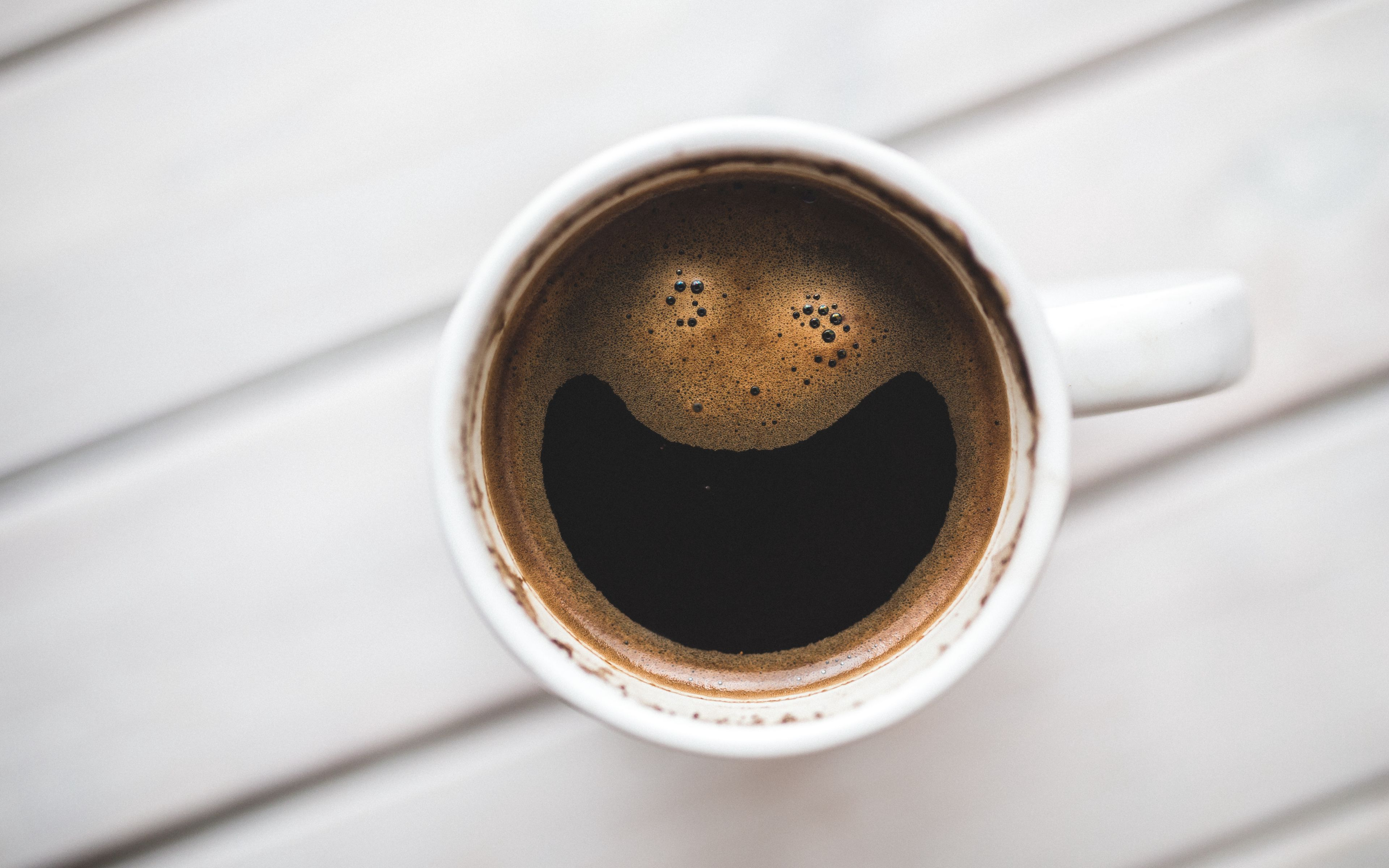 3840x2400 Wallpaper coffee, smile, drink
