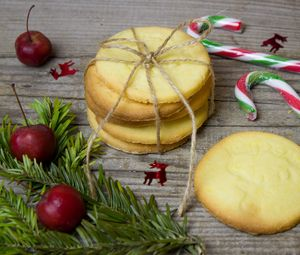 Preview wallpaper cookies, christmas, candy, cones, berries