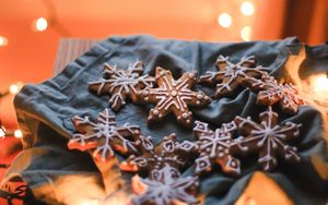Preview wallpaper cookies, garlands, holiday, christmas, new year