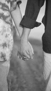 Preview wallpaper couple, hands, love, romance, black and white, bw