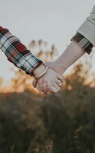 Preview wallpaper couple, hands, tenderness