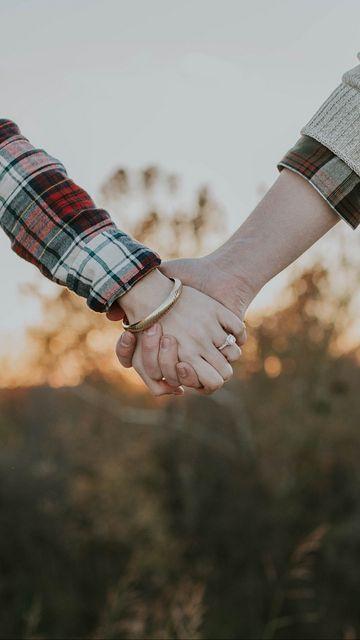 360x640 Wallpaper couple, hands, tenderness