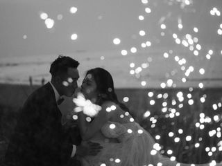 320x240 Wallpaper couple, love, wedding, sparks, black and white