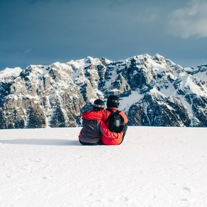 Preview wallpaper couple, mountains, travel, sport